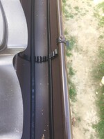 Монтажные крепления для греющего кабеля в желоб водостока